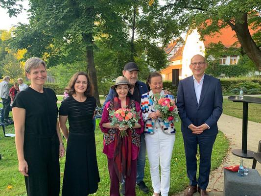 Almut Cobet, Bürgermeisterin Stadt Göppingen, Dr. Melanie Ardjah, Marcia Haydée, ihr Ehemann, Gundel Kilian und Dr. Hariolf Teufel